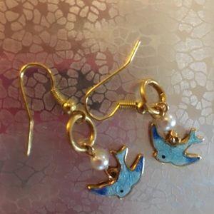 Bluebirds earrings, gold tone metal, small pearls